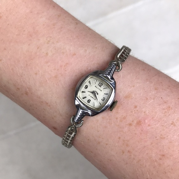 Waltham 17 jewels antique wind up watch not tested